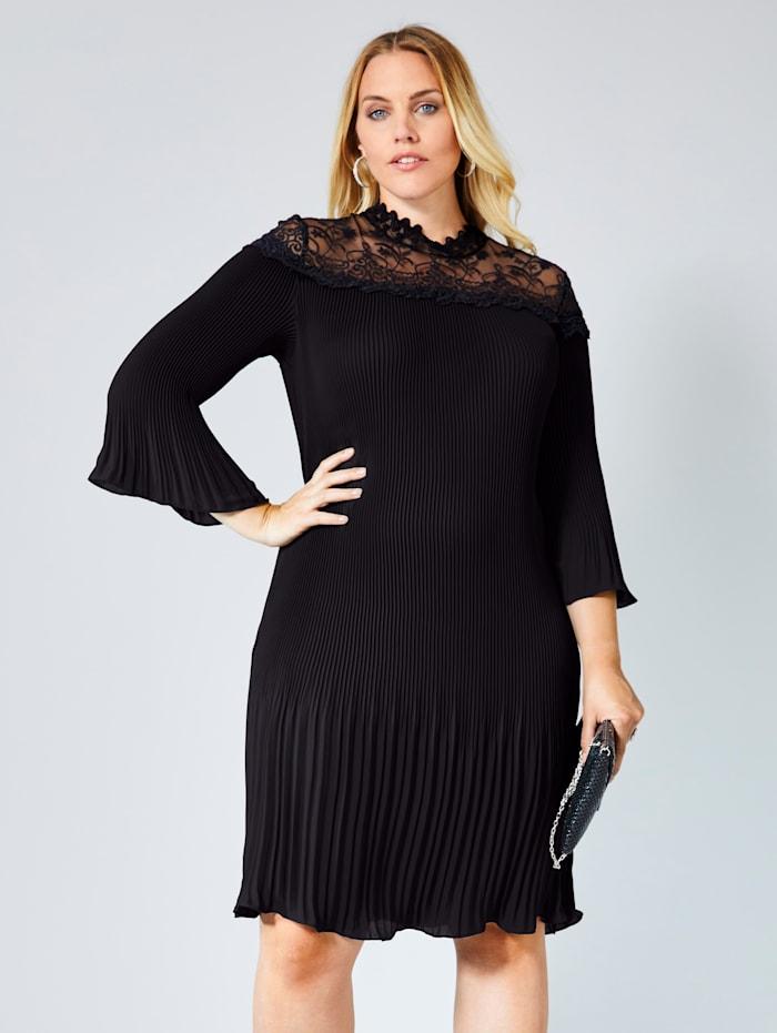 Sara Lindholm Kleid mit Plissee und Spitze, Schwarz