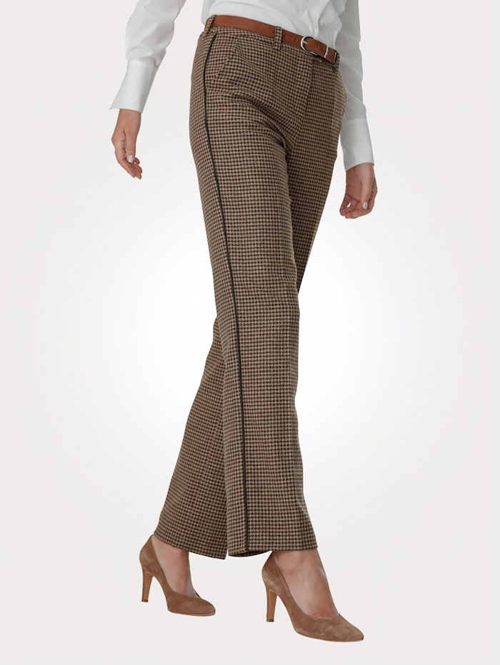 Trousers in a houndstooth check