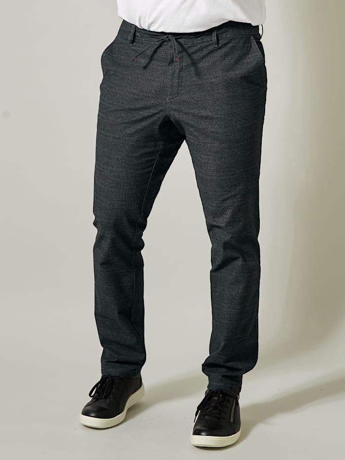 Kapeat housut