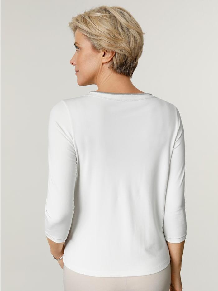 Shirt mit silbernen Ziernähten und Strassapplikation