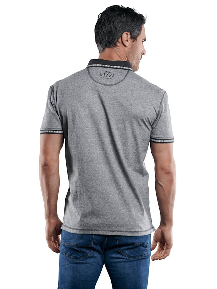 Sportives Poloshirt mit Badge