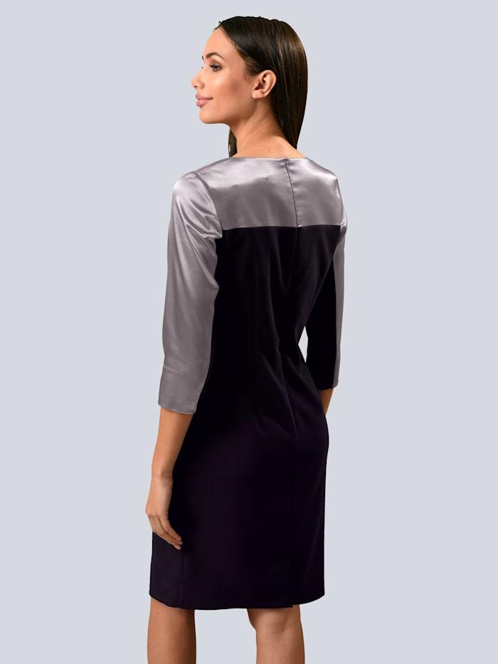 Kleid mit Schulterpasse aus edler, satinierter Ware