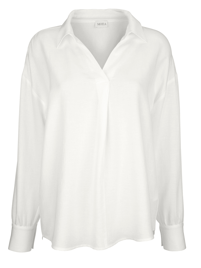 Pull-on blouse in an on-trend relaxed fit
