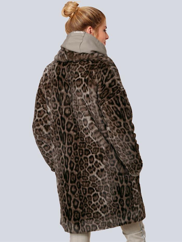 Mantel im angesagten Leo-Look