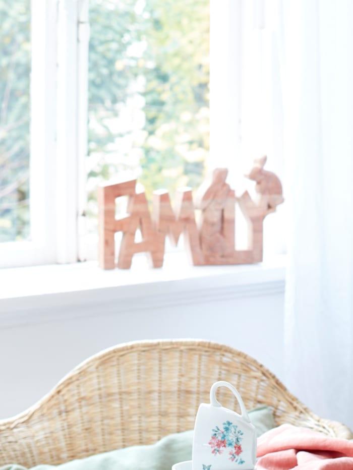 Schriftzug Family mit Hasen