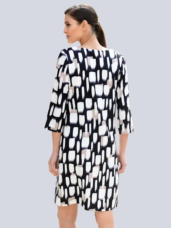 Kleid Mit edler Paspel am Ausschnitt und Ärmelsaum