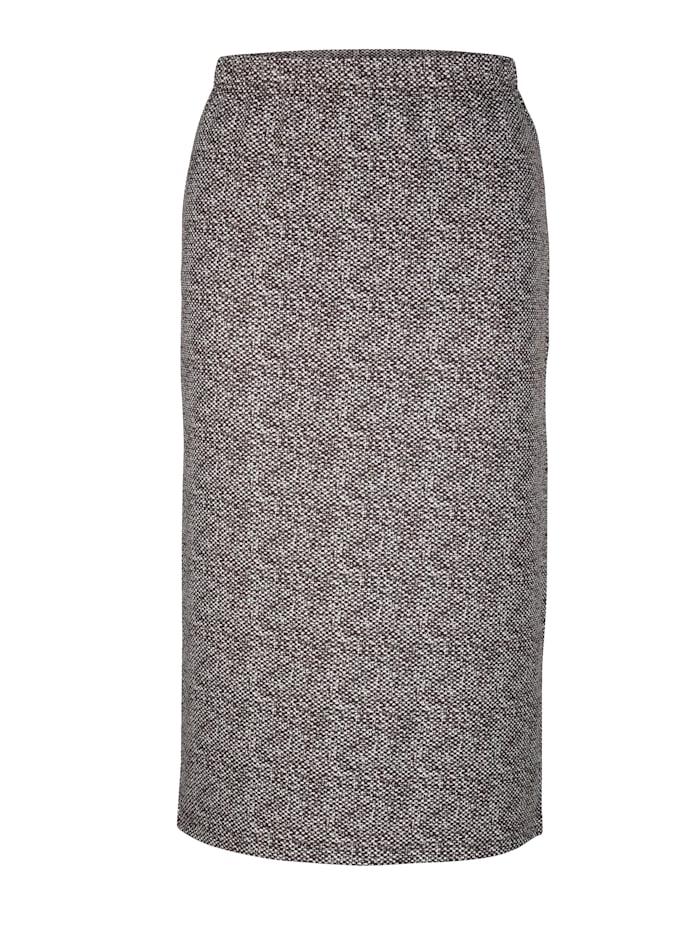 Sukňa v minimalistickom vzore