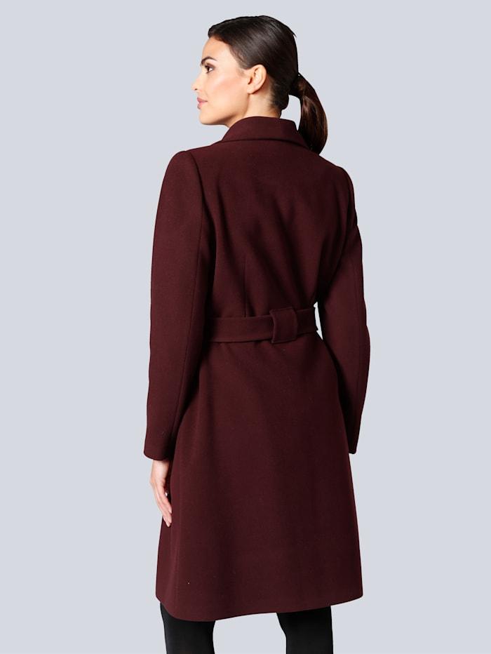 Mantel in femininer Form
