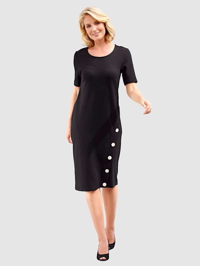 Koristenapillinen mekko