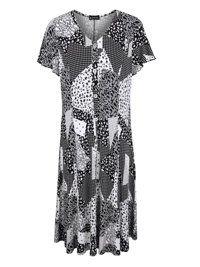 Kleid in leicht schwingender Form