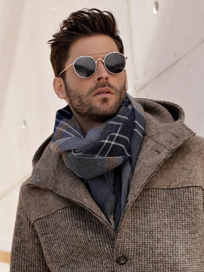Schal mit wärmender Wolle