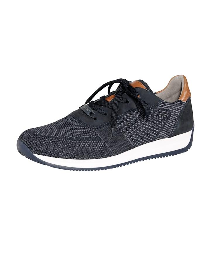Šněrovací obuv z módníhotextilního materiálu