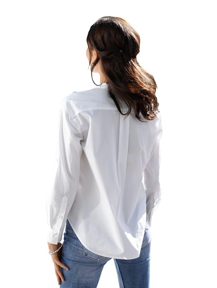 Bluse mit tiefem V-Ausschnitt