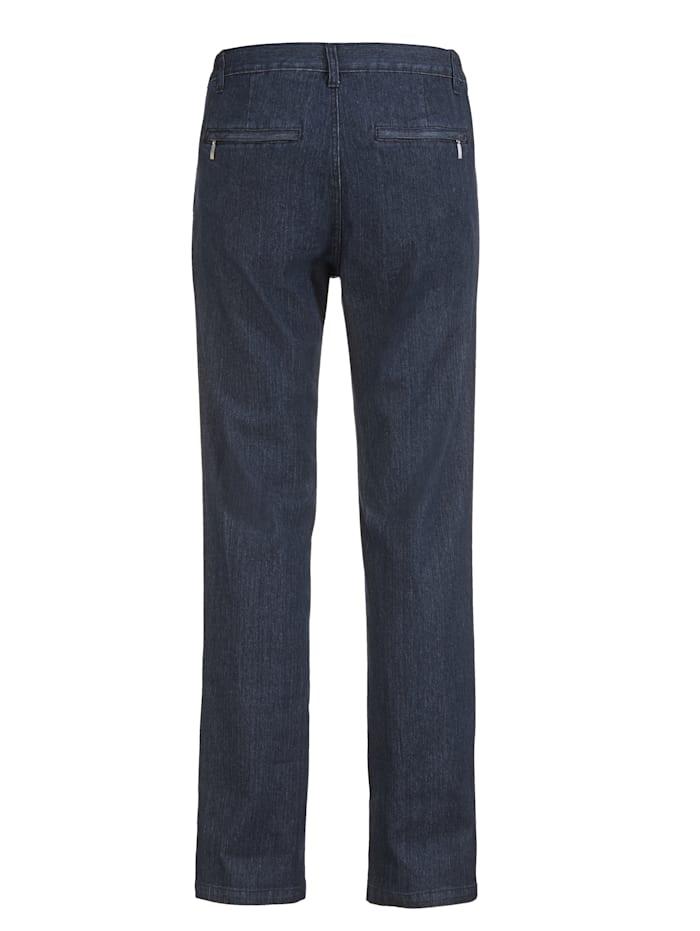 Jeans mit schrägen Eingrifftaschen