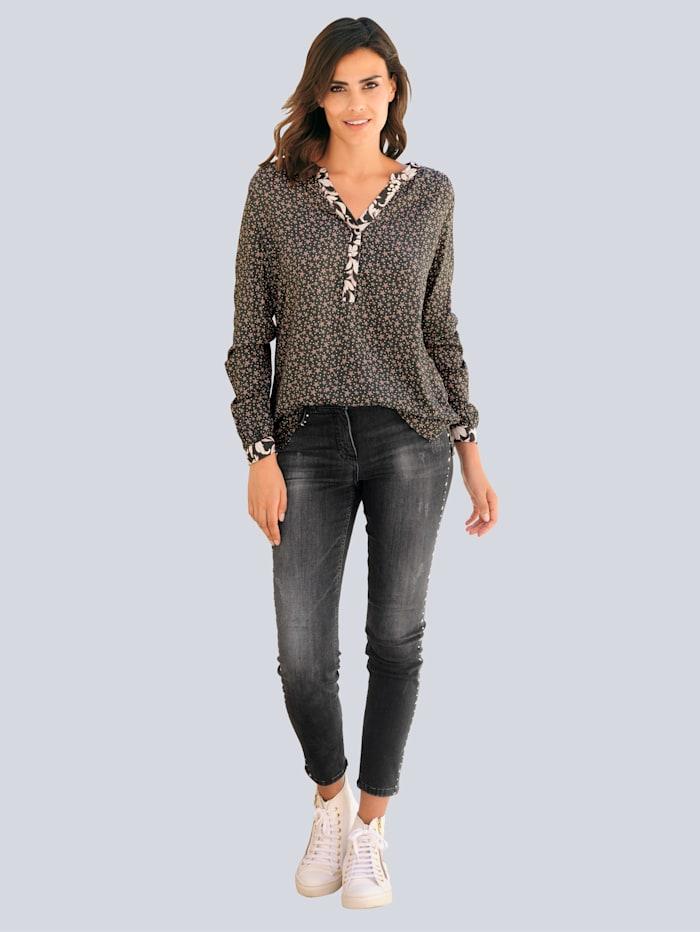 Jeans mit Stern-Nieten