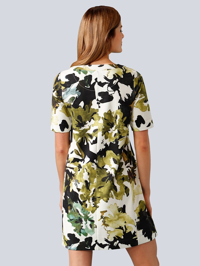 Kleid im modischen allover Druck