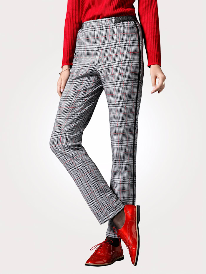 Jersey trousers in a timeless glen check pattern