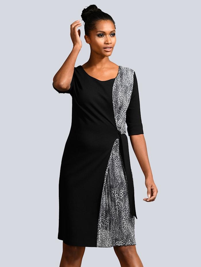 Kleid Kleid mit Plissee Einsatz
