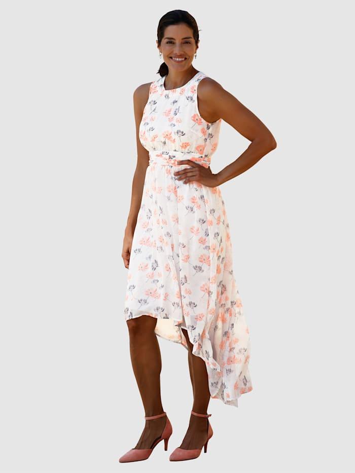 Kleid im weich fließenden Vokuhila-Look