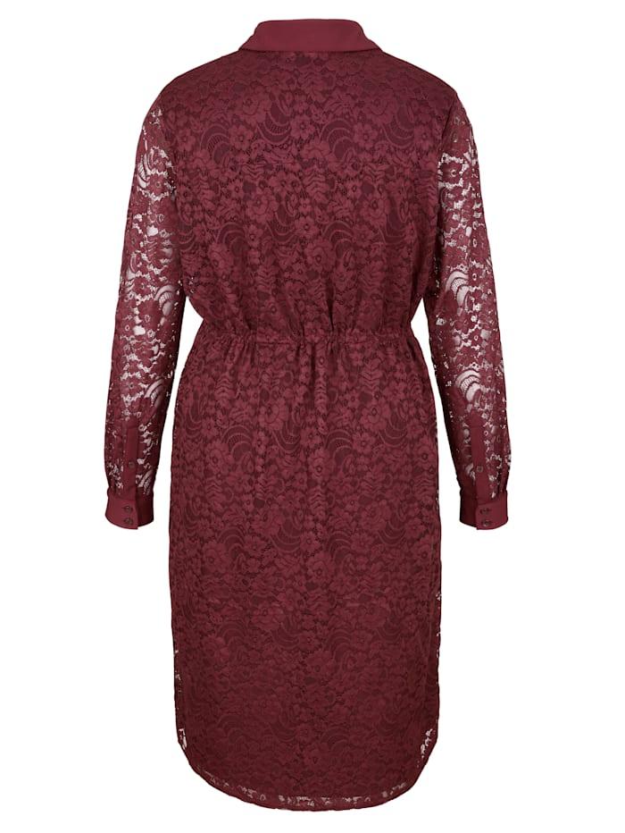 Krajkové šaty s knoflíkovou légou