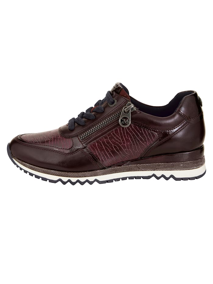 Sneaker in ansprechendem Materialmix