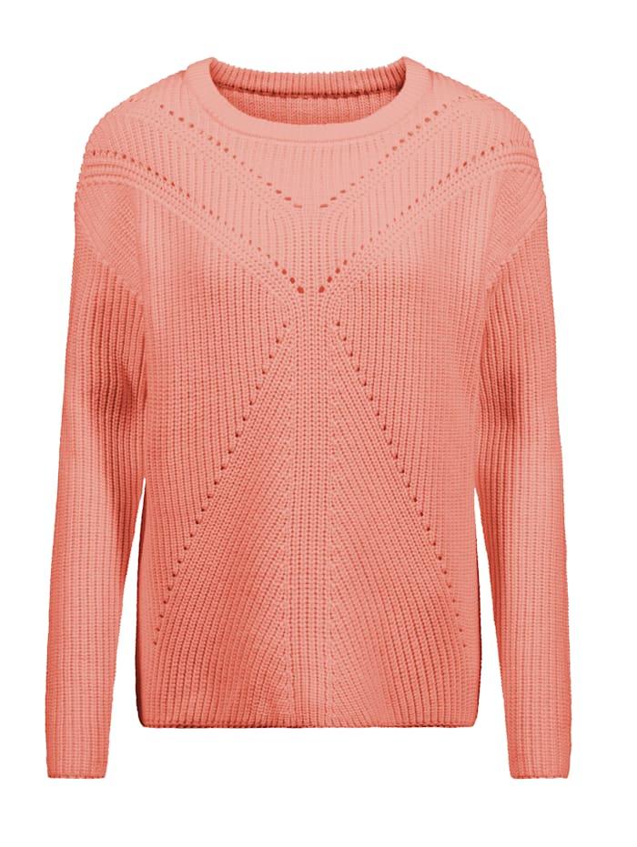 Pullover mit schönem Lochmuster