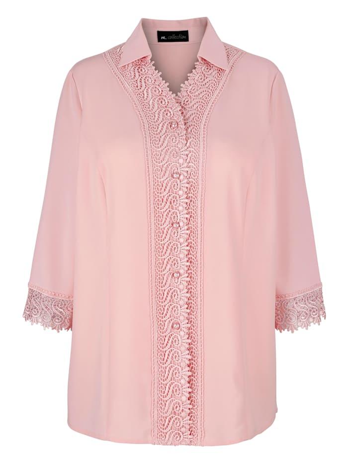Bluse mit dekorativen Knöpfen