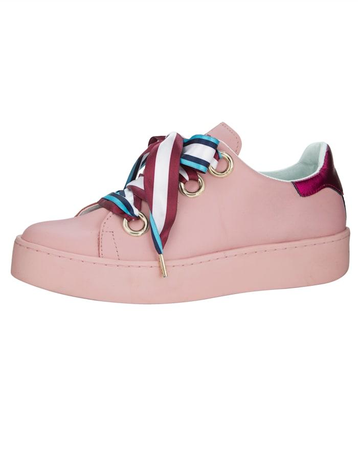 Sneakers med färgglada skosnören