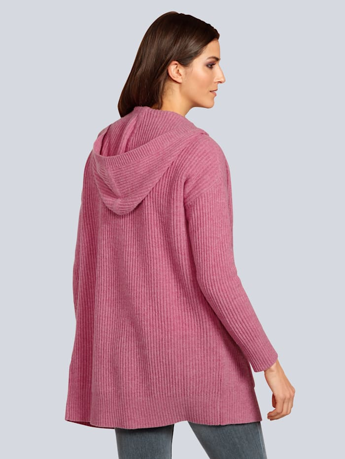 Strickjacke in langer Form