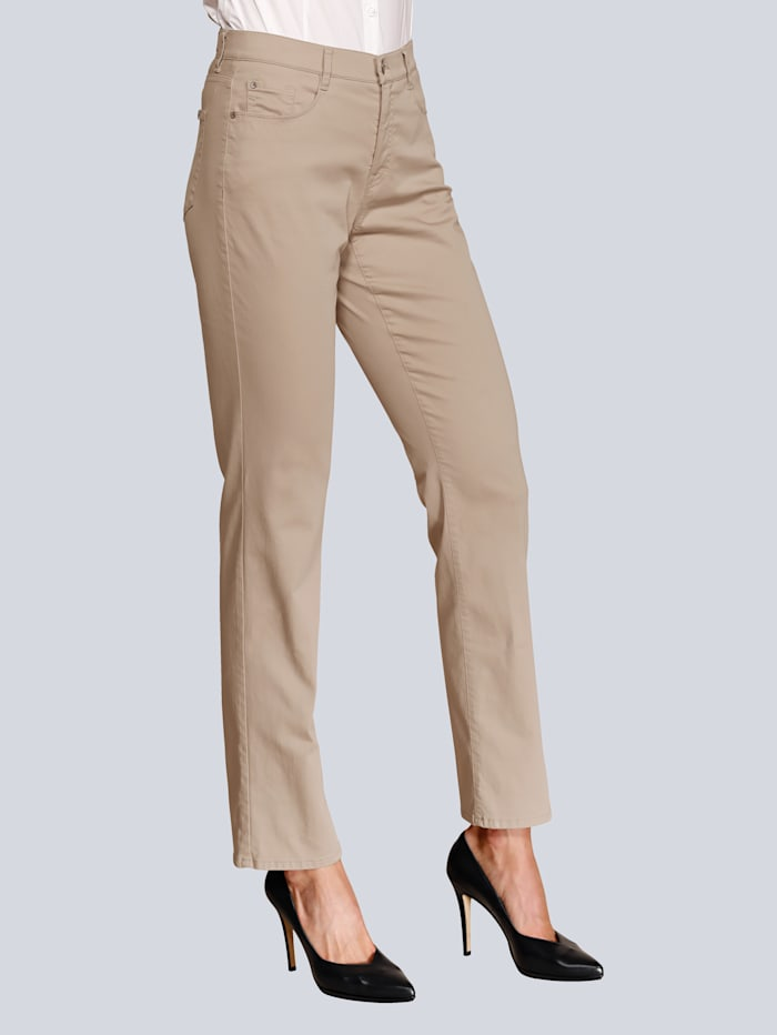 Hose mit edler Stickerei und Swarovski-Ziersteinchen auf den Gesäßtaschen