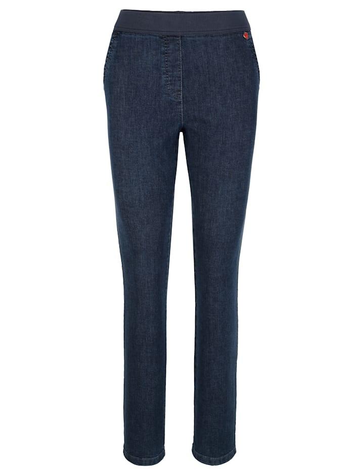 Jeans in instapmodel