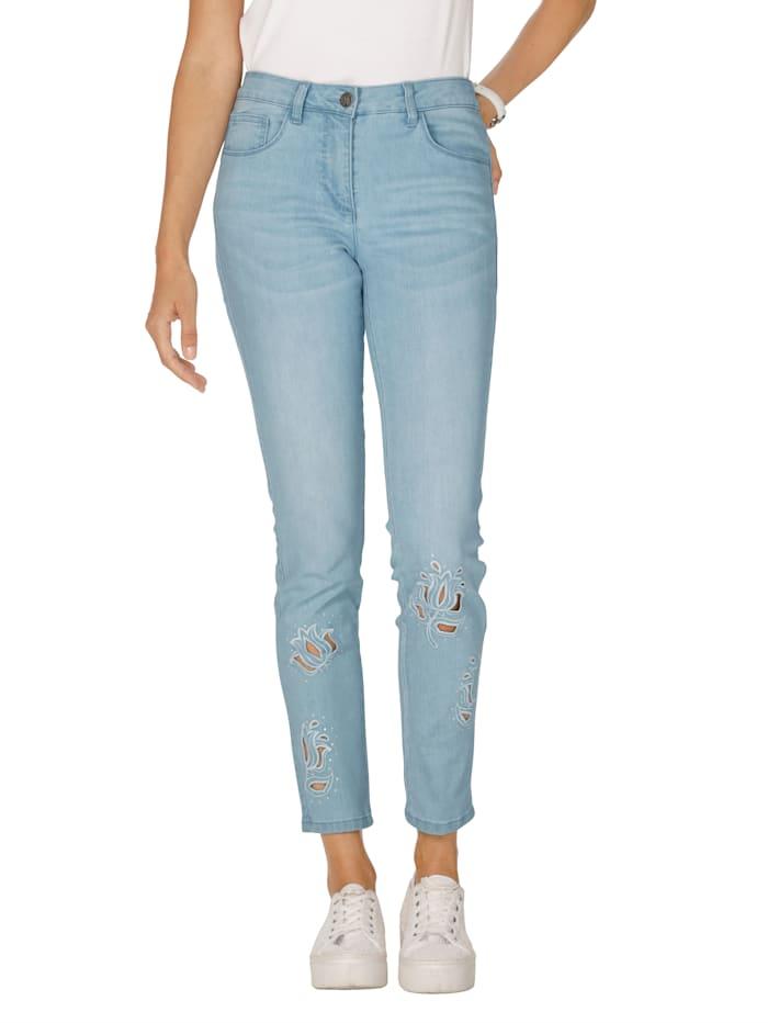 Jeans mit Stickerei und Strasssteindekoration im Vorderteil