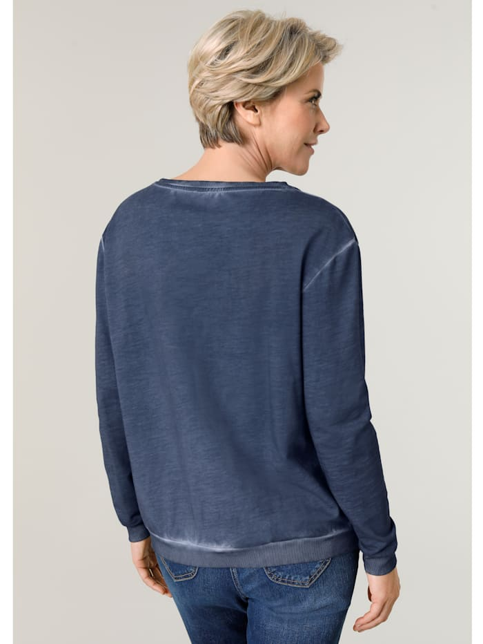 Jumper in a chic pigment wash