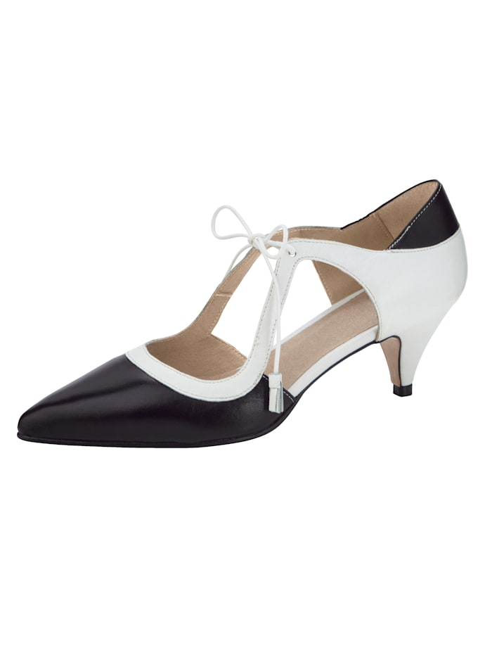 Lace-up court shoes made from soft Nappa leather, Black