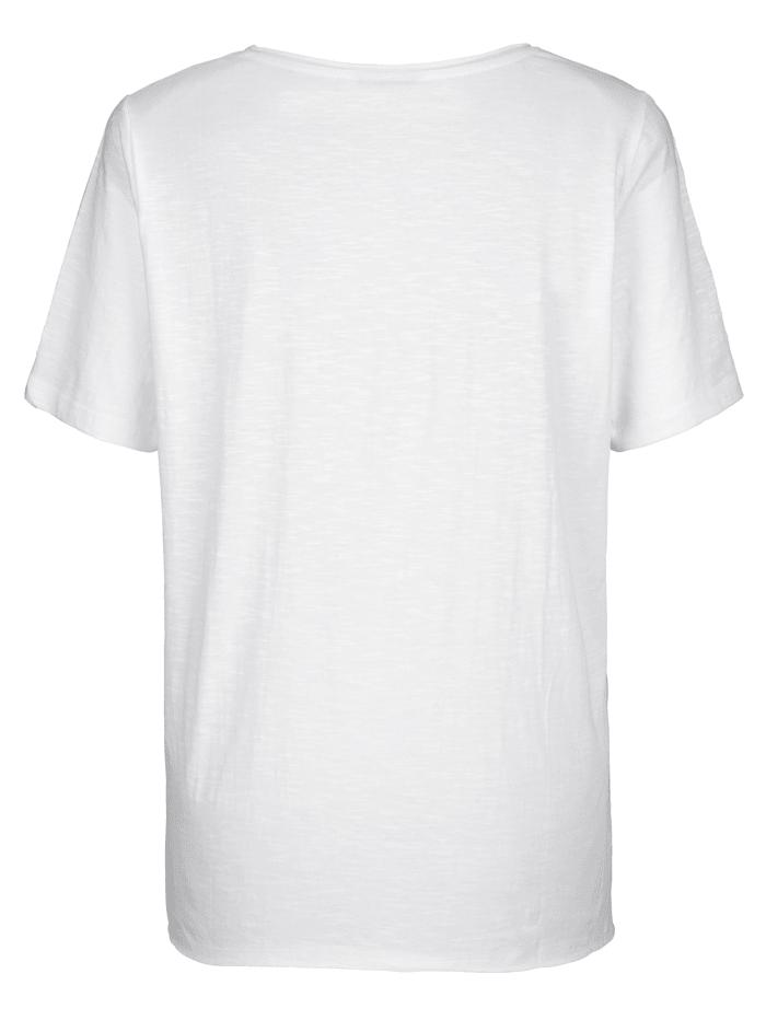 Shirt mit platziertem Druck im Vorderteil