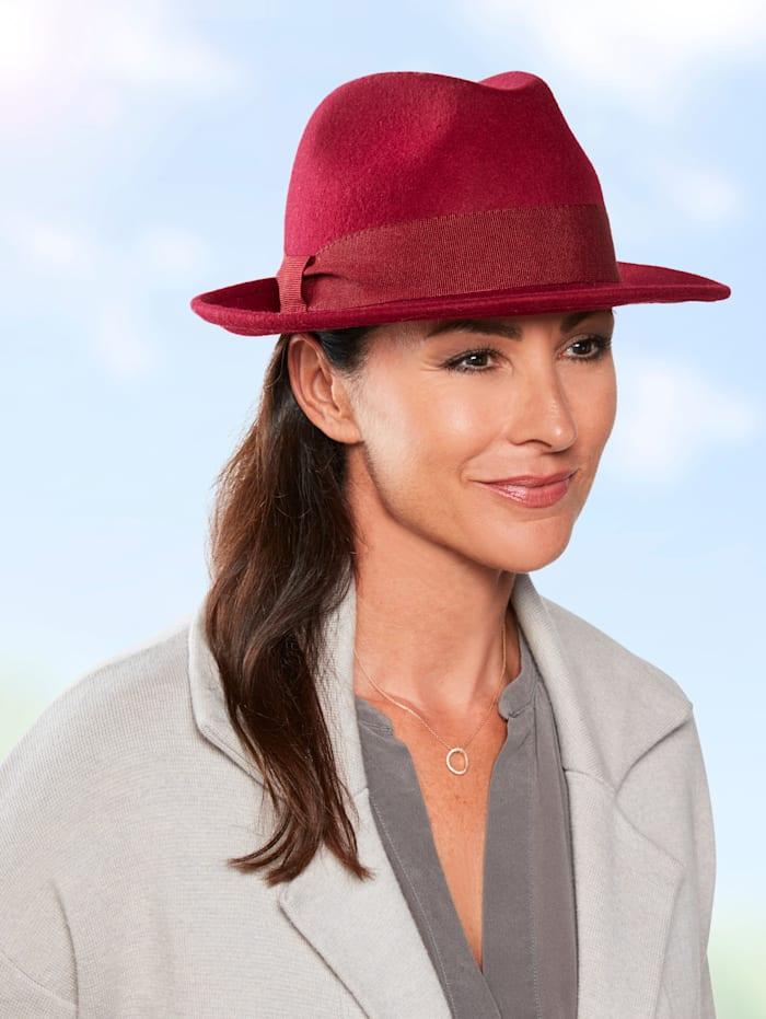 Chapeau en feutre de forme élégante
