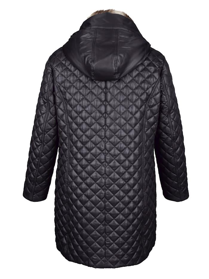 Manteau matelassé avec fausse fourrure à l'intérieur du col