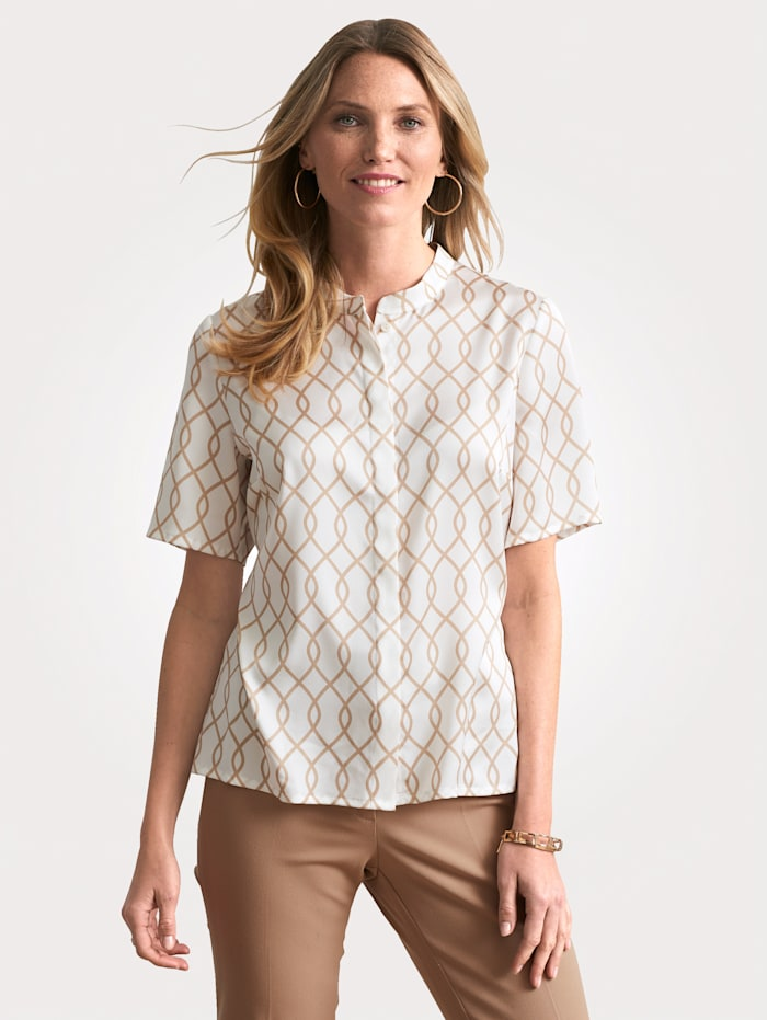 Blouse made from a soft crêpe fabric