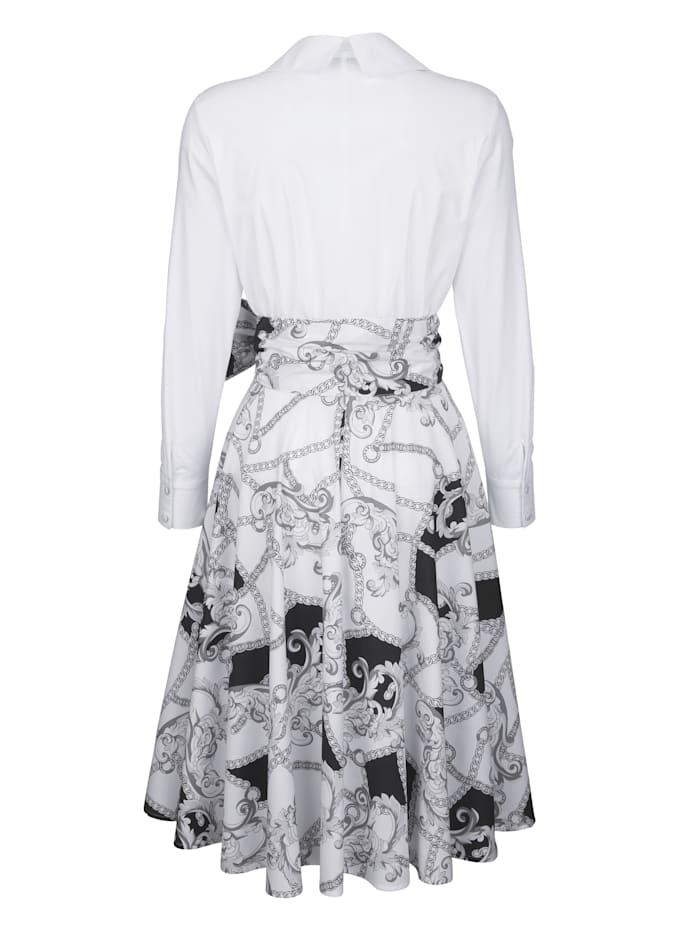 Jurk in modieus blousemodel