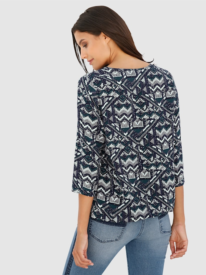 Print Top with an eye-catching print