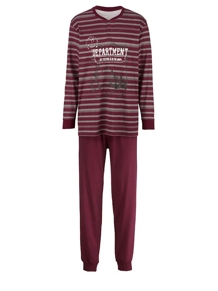 Pyžama v moderným farbách