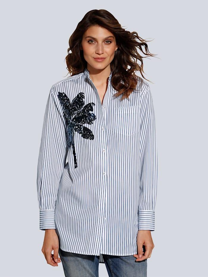Bluse mit großflächiger Palmenstickerei im Vorderteil