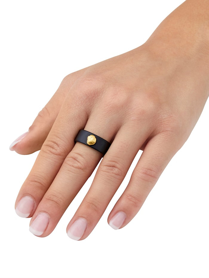 Onyx-Ring mit Gold-Nugget