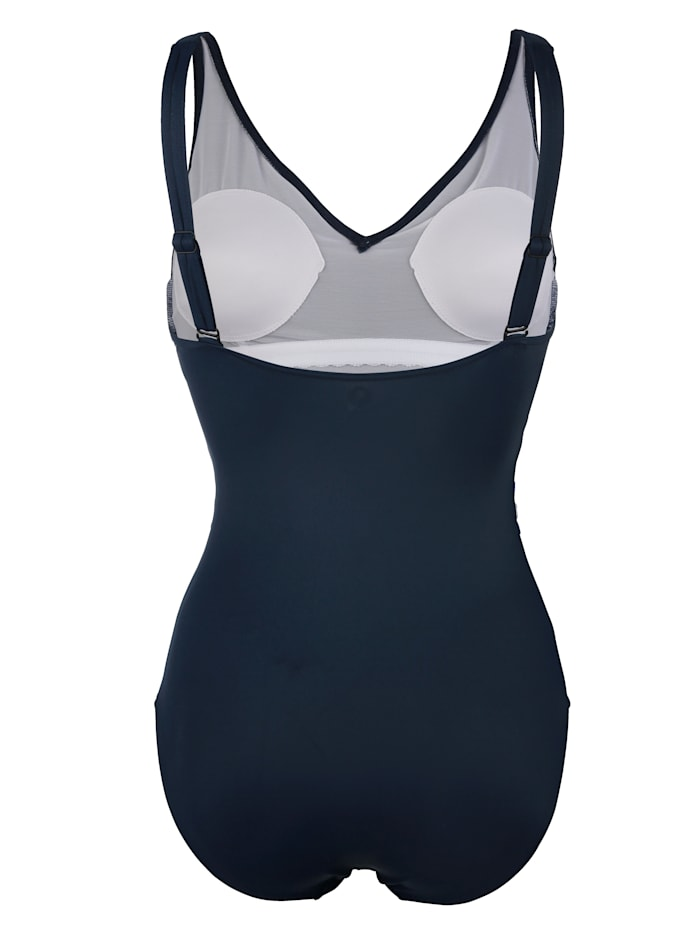 Swimsuit with figure-flattering pattern