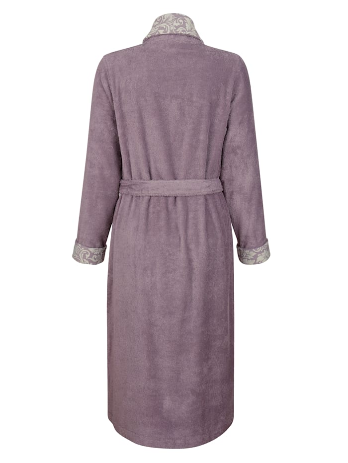 Badjas met mouwomslag en sjaalkraag met jacquarddessin