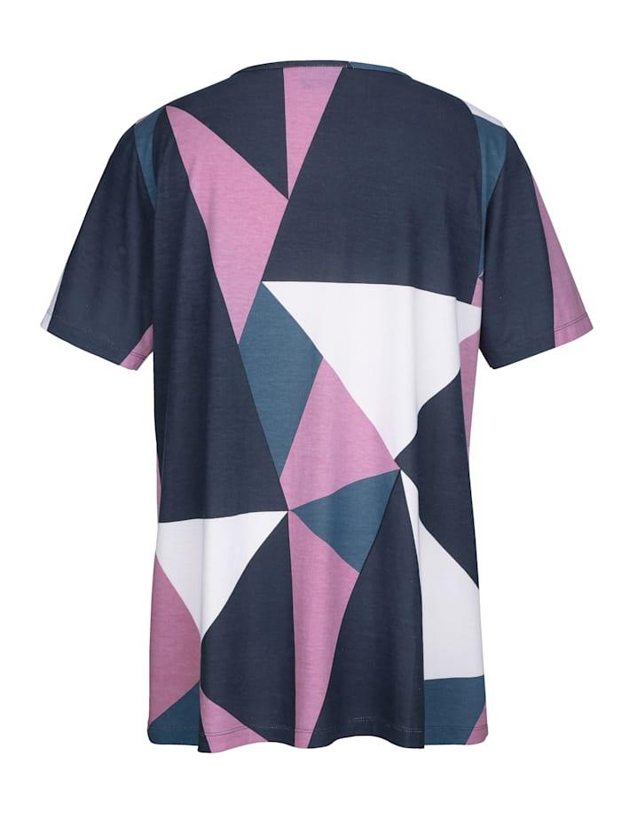 Graafisesti kuvioitu paita