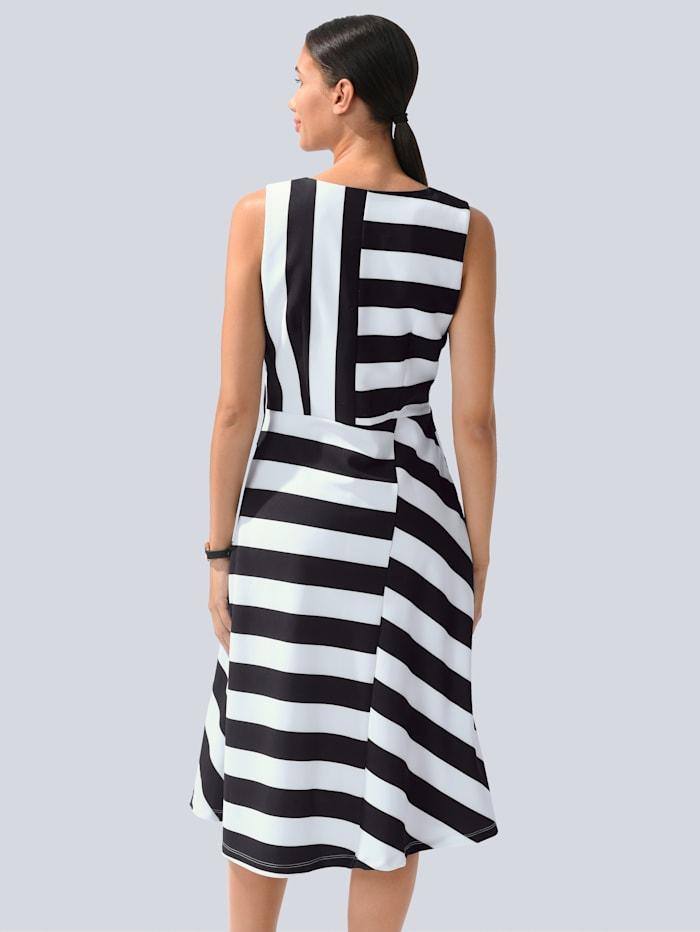 Kleid im Blockstreifen-Dessin allover