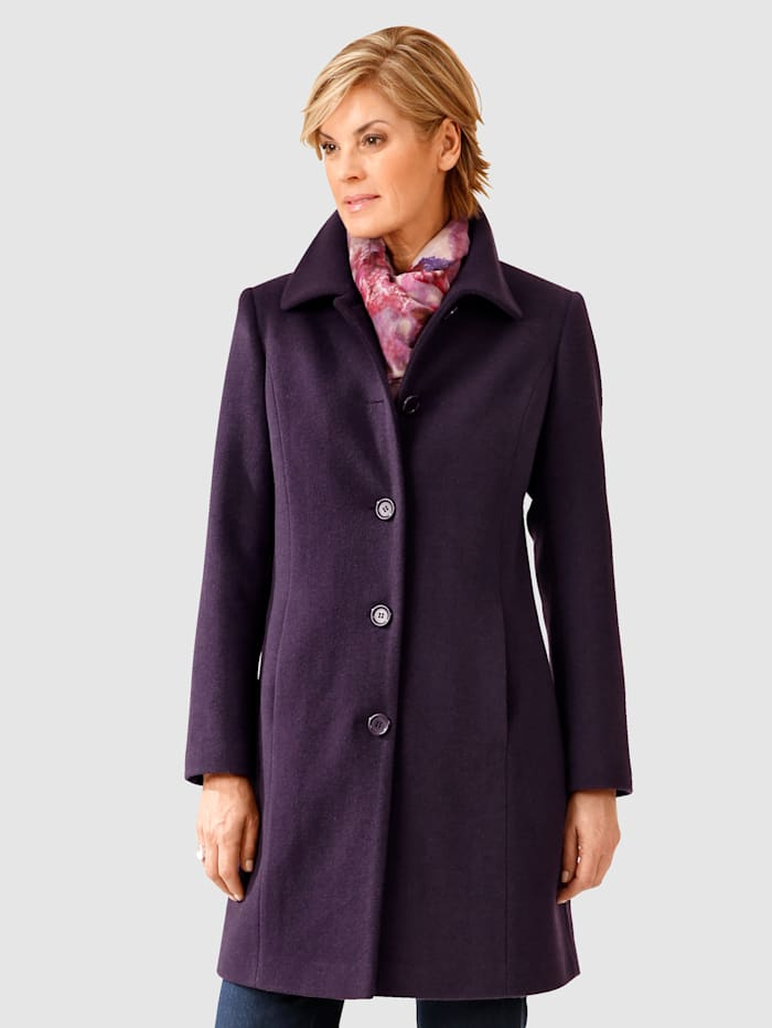 Wool Coat Elegant button fastening