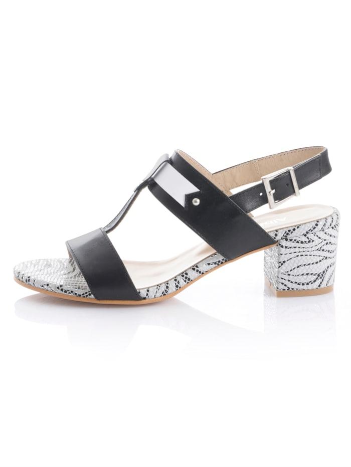 Sandalette mit gemusterter Sohle