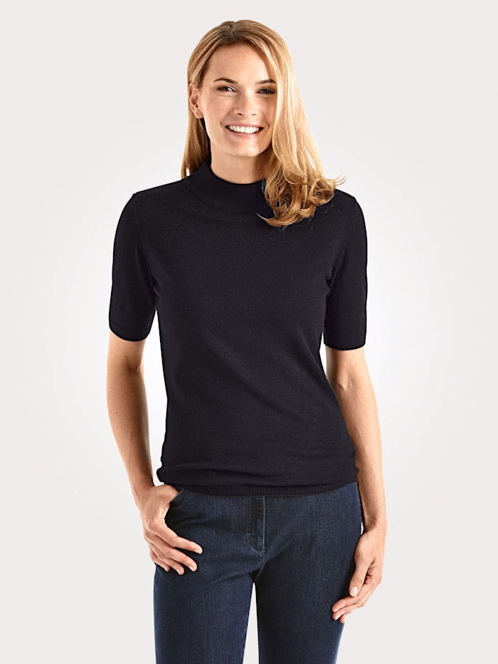 Short sleeve jumper made from a premium-quality fabric